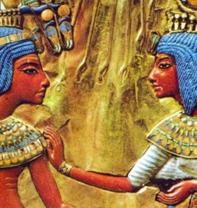 A detail of Tutankhamun and his wife.